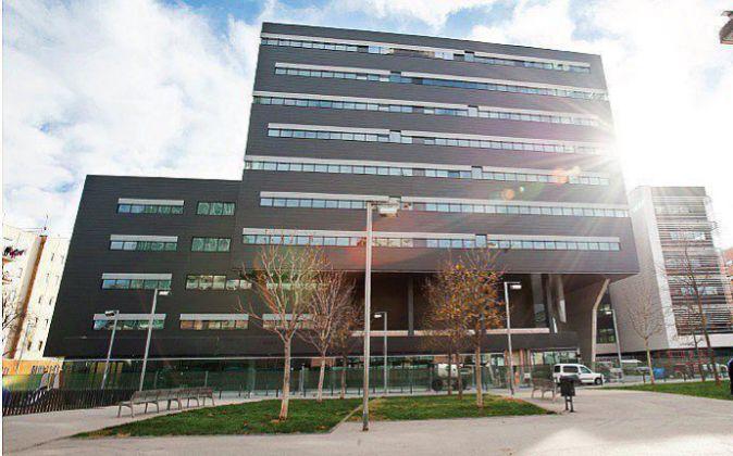 El edificio Cornerstone fue adquirido por UBS por 80 millones.