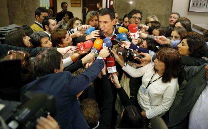 El secretario general del PSOE, Pedro Sánchez, hoy durante las...
