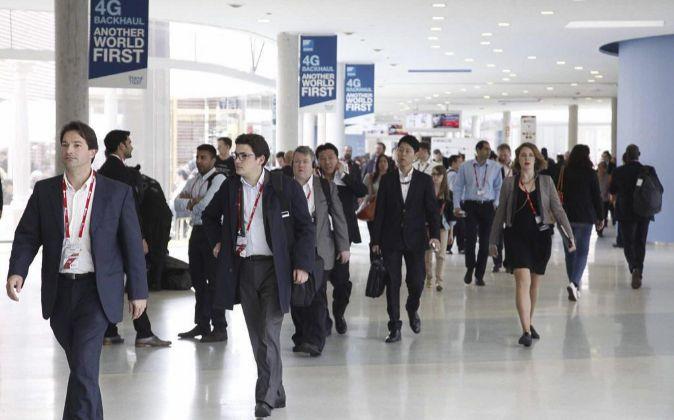 Asistentes al Mobile World Congress de 2015.