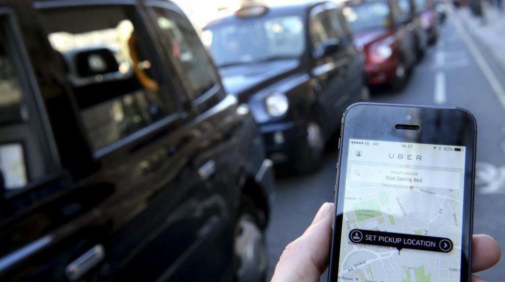 Manifestación de taxistas en Londres contra Uber