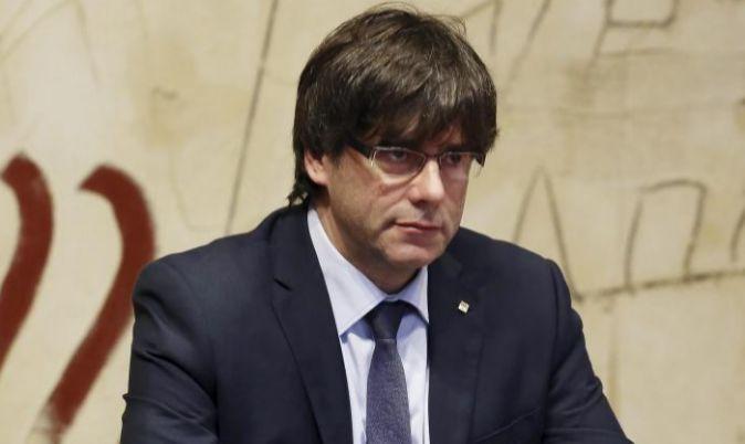 Carles Puigdemont, presidiendo ayer el Consell Executiu.