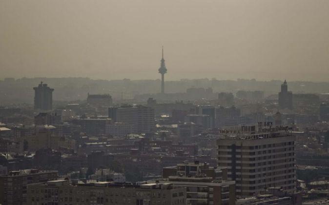 Vista de Madrid en una jornada de elevada contaminación.