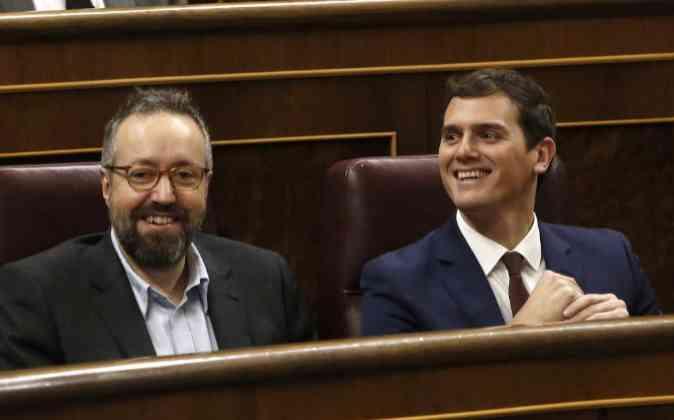 El líder de Ciudadanos, Albert Rivera, junto a Juan Carlos Girauta.