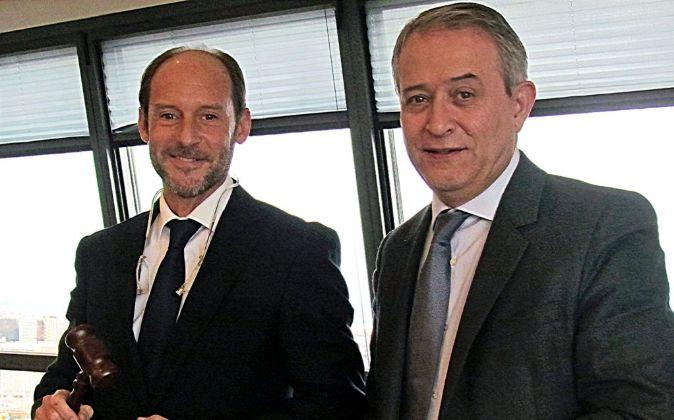 De izq. a dcha., Carlos Rueda, nuevo socio director de GA&P, y...