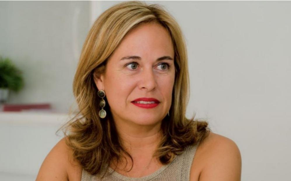 Elena Gómez del Pozuelo: <a...