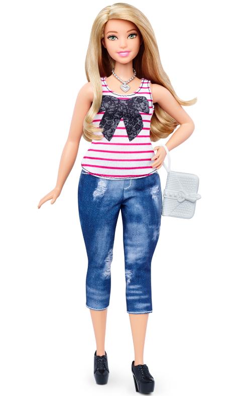 <strong>2015-2016. </strong>En 2015, por primera vez, Barbie se calzó...