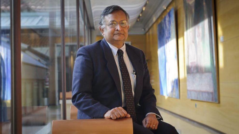Sandip Tiwari, catedrático de Ingeniería en la Universidad de...