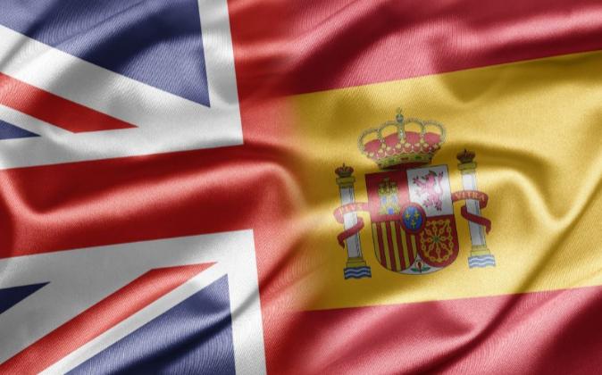 Banderas de España y  Gran Bretaña