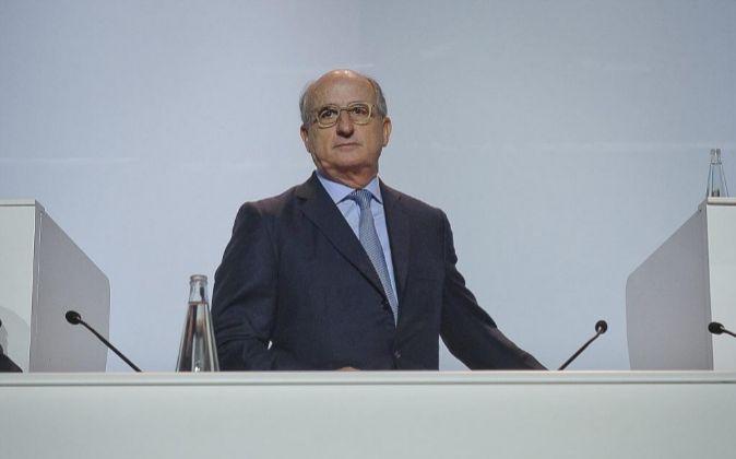 El presidente de Repsol, Antonio Brufau durante la junta general de...