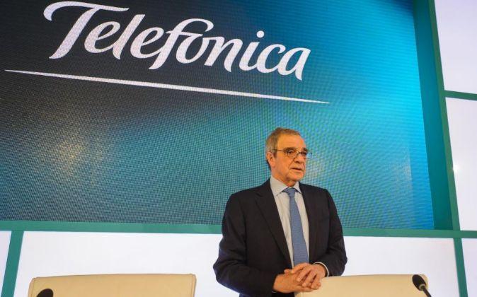 César Alierta, presidente de Telefónica, durante la rueda de prensa...