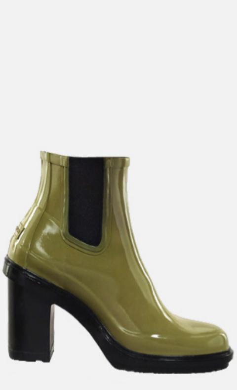 <strong>2. Woman's Original Refined Gloss High Heel.</strong> De...