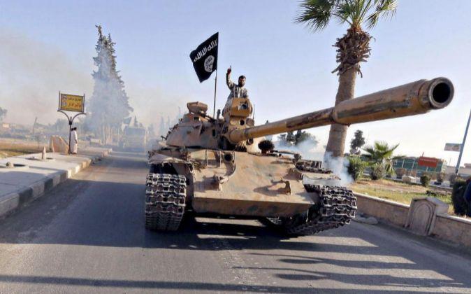 Miembros del Estado Islámico en Racca, Siria.