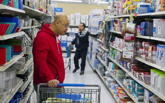 El mundo sigue cifrando sus esperanzas en los consumidores...