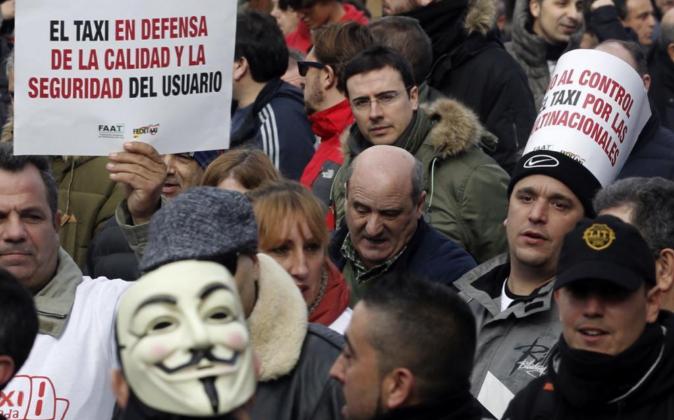 Los taxistas han protagonizado varias manifestaciones en contra de...