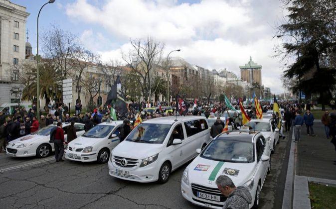Más de 1.500 taxistas se manifestaron en febrero en Madrid contra la...