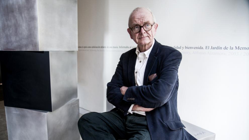 El neurocirujano Henry Marsh, 66 años, fotografiado en el Hotel Omm...