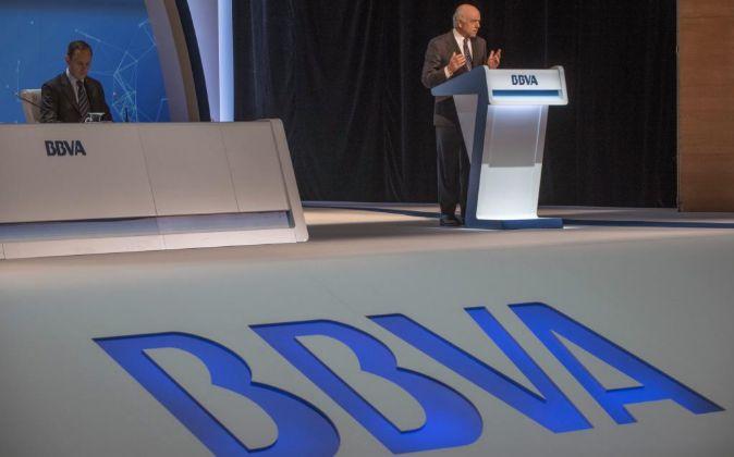 El presidente del BBVA, Francisco González, durante una Junta General...