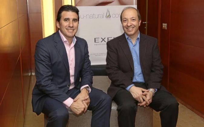 El responsable europeo de Exel, Mariano Russo, y el consejero delegado...