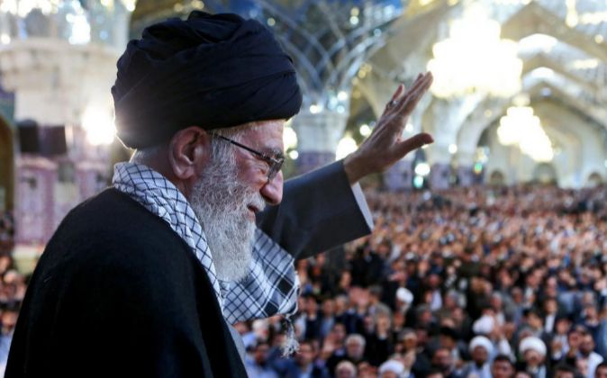 El líder supremo de Irán, Ali Khamenei, durante un reciente acto...
