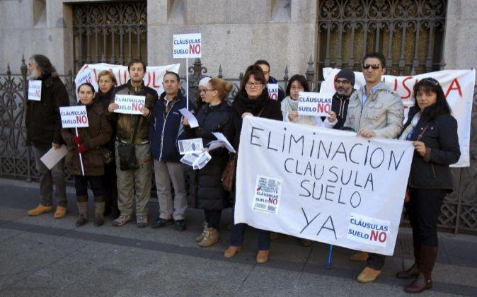 Miembros de la plataforma de afectados por las cláusulas suelo.