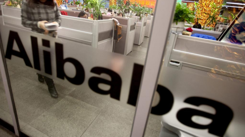 EMPLEADOS DE ALIBABA EN CHINA.Employees work at Alibaba.com...