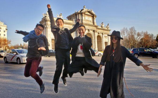 Jinpeng Zhang, Mr. Bags, Molly y Mok, de izquierda a derecha, durante...