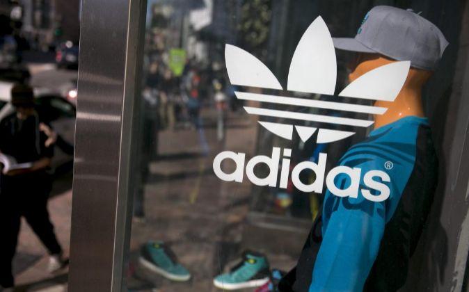 Cumplimiento a Adelantar riega la flor  Adidas inaugura este mes en Madrid su tienda más grande de España