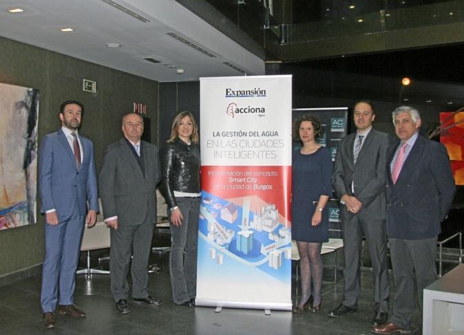 De izquierda a derecha, Alejandro Maceira,  fundador y director  de...