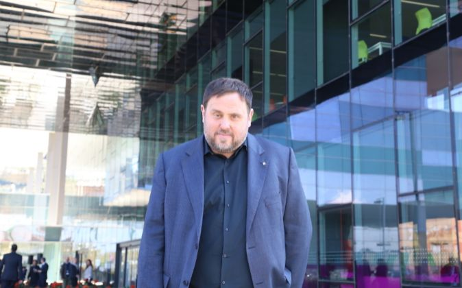 Oriol Junqueras, frente a la nueva sede de la Agència Tributària de...