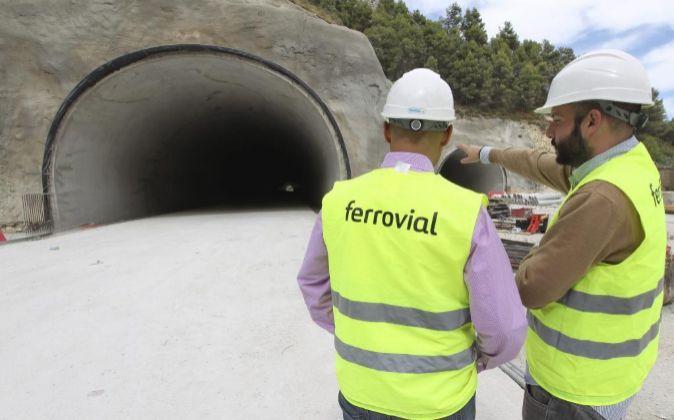 Trabajadores de Ferrovial.