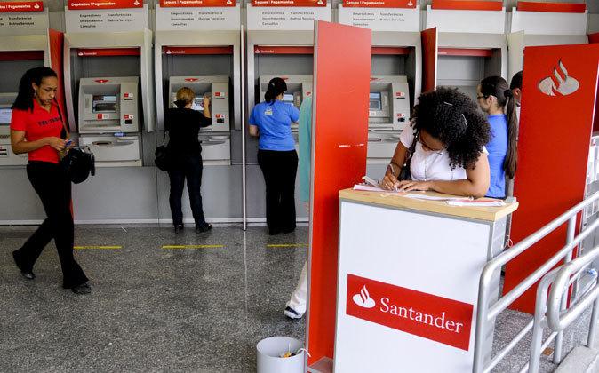 Cajeros de Banco Santander en Brasil.