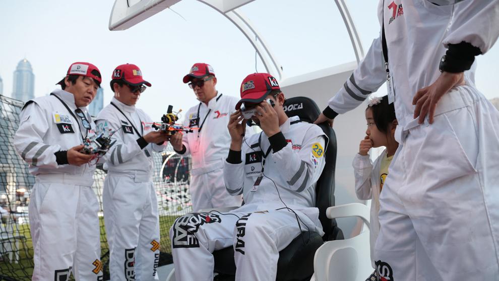El equipo surcoreano KT D Rush, participante en The World Drone Prix,...