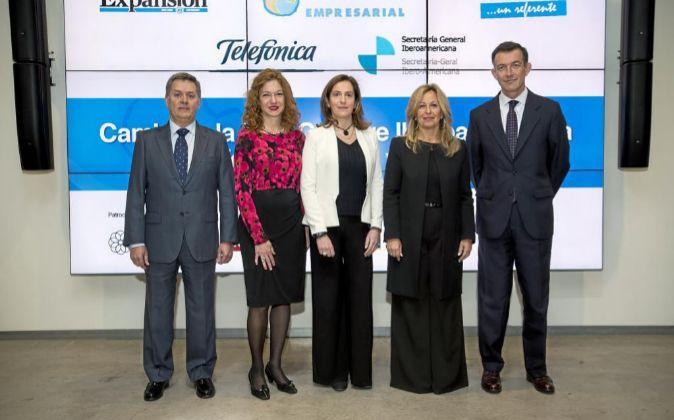De izda. a dcha., Guillermo López-Cediel, director de Desarrollo de...