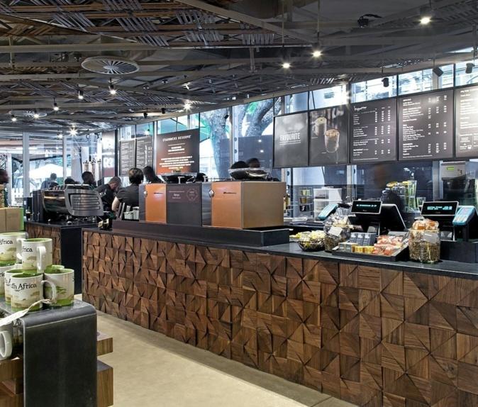 Café Starbucks en Johanesburgo. Con esta tienda, la empresa da su...