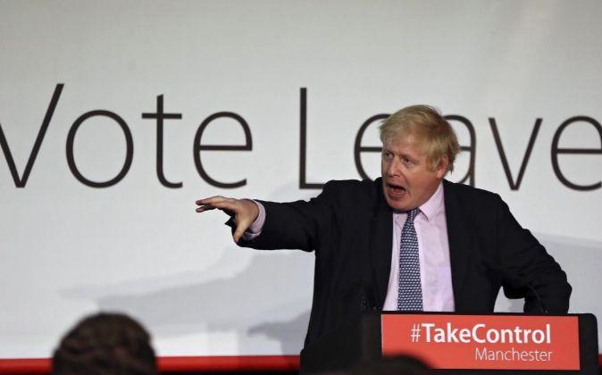 El alcalde de Londres, Boris Johnson, hace campaña a favor de la...