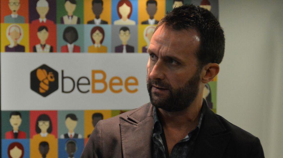 Javier Cámara es el CEO de beBee.