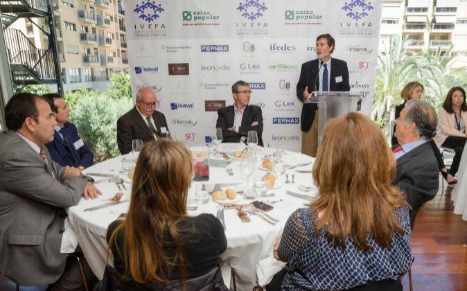 El conseller Rafa Climent participó en una comida con los empresarios...