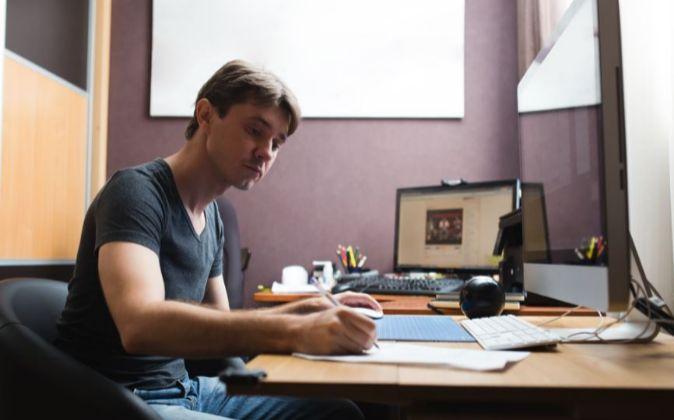 Freelance realizando su trabajo