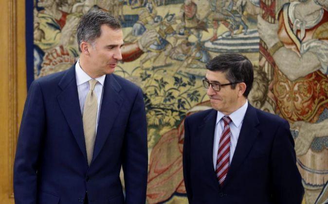 El Rey Felipe VI y  el presidente del Congreso de los Diputados, Patxi...