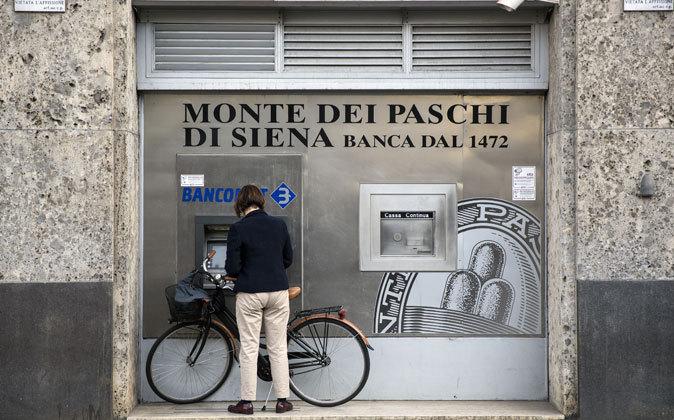 Cajero de Banca Monte dei Paschi di Siena.