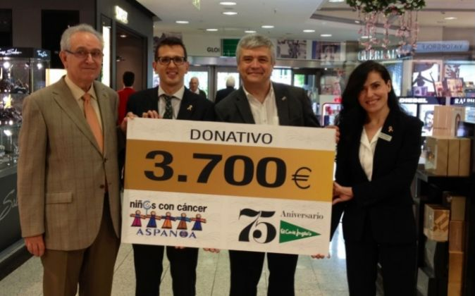 11d7aedea51 Los empleados de El Corte Inglés de Zaragoza colaboran con ASPANOA