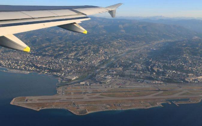 Imagen aérea del aeropuerto de Niza.