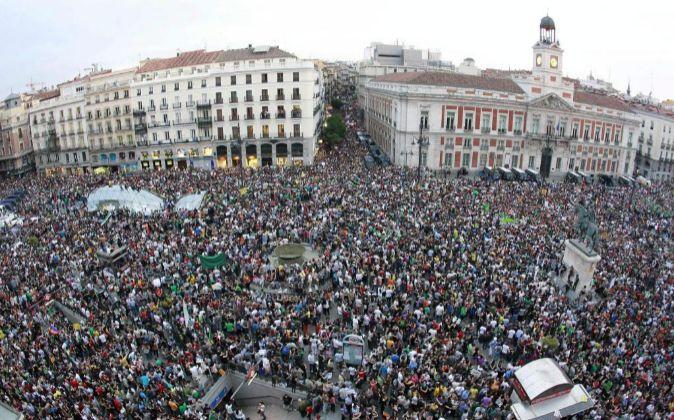 Primer aniversario (2012) del 15M en la puerta del Sol de Madrid.