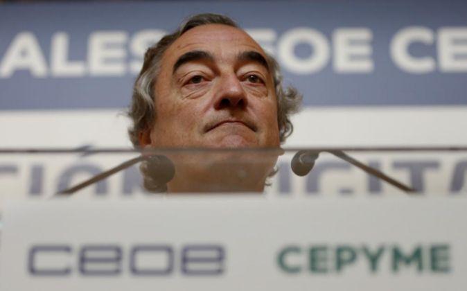 El presidente de la CEOE, Juan Rosell, durante su intervención tras...