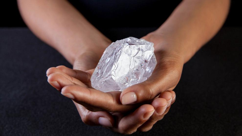 Se subasta Lesedi la Rona, el diamante en bruto más grande del mundo por 70 millones
