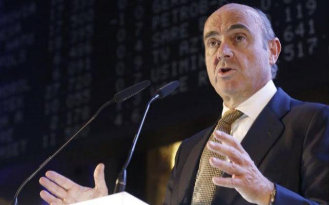 El ministro de Economía y Competitividad en funciones, Luis de...