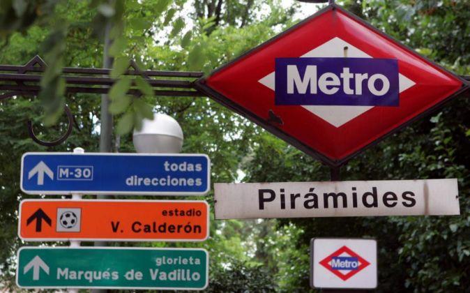 Estación de Metro de Pirámides.