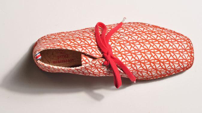 9217a401826 El lujo de los españoles  Comprar zapatos cada vez más caros