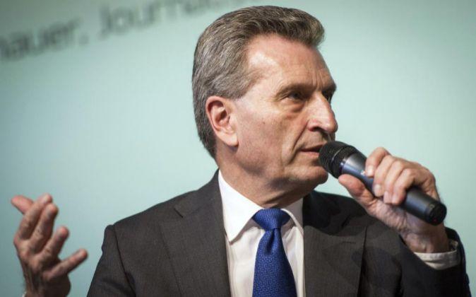 El comisario europeo de Economía y Agenda Digital, Gunther Oettinger...
