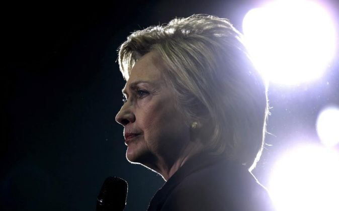 La aspirante demócrata a la presidencia estadounidense, Hillary...
